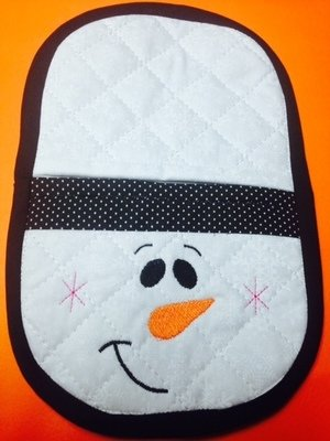 Snowman oven mitt sewing machine pattern and tutorial