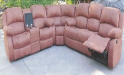 NEVADA CORNER SUITE WITH 4 RECLINERS