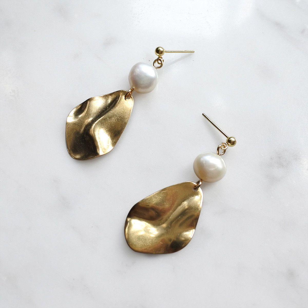 Pearl series — stud, earrings, mother of pearls, gift