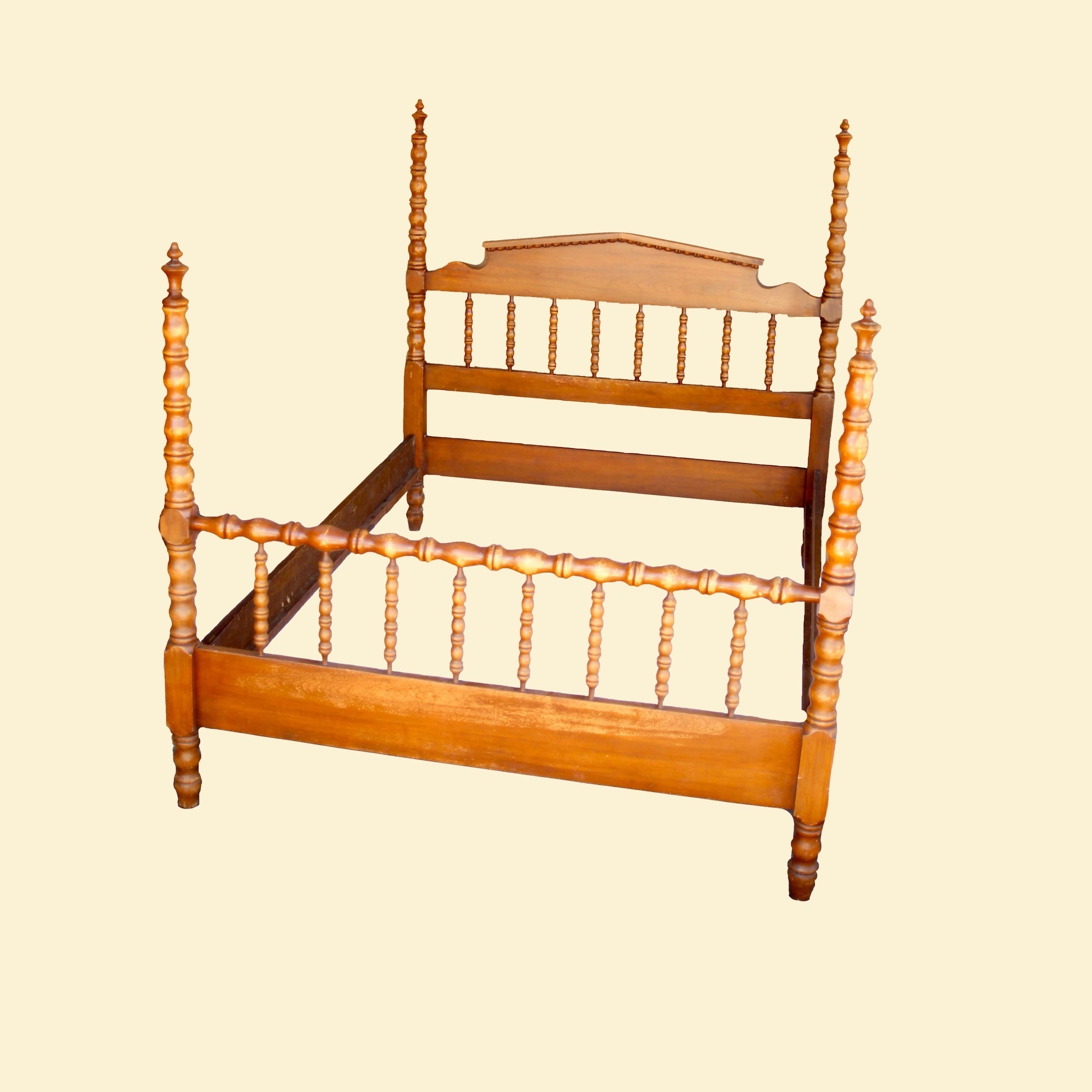 20% OFF -Full Size Maple Finish Rustic Spindle Four Poster Bed 00173E