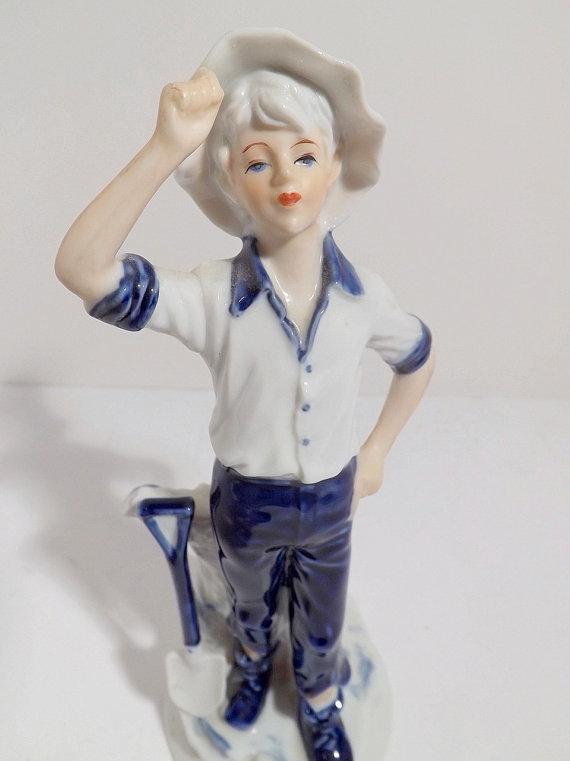 boy with shovel made in korea