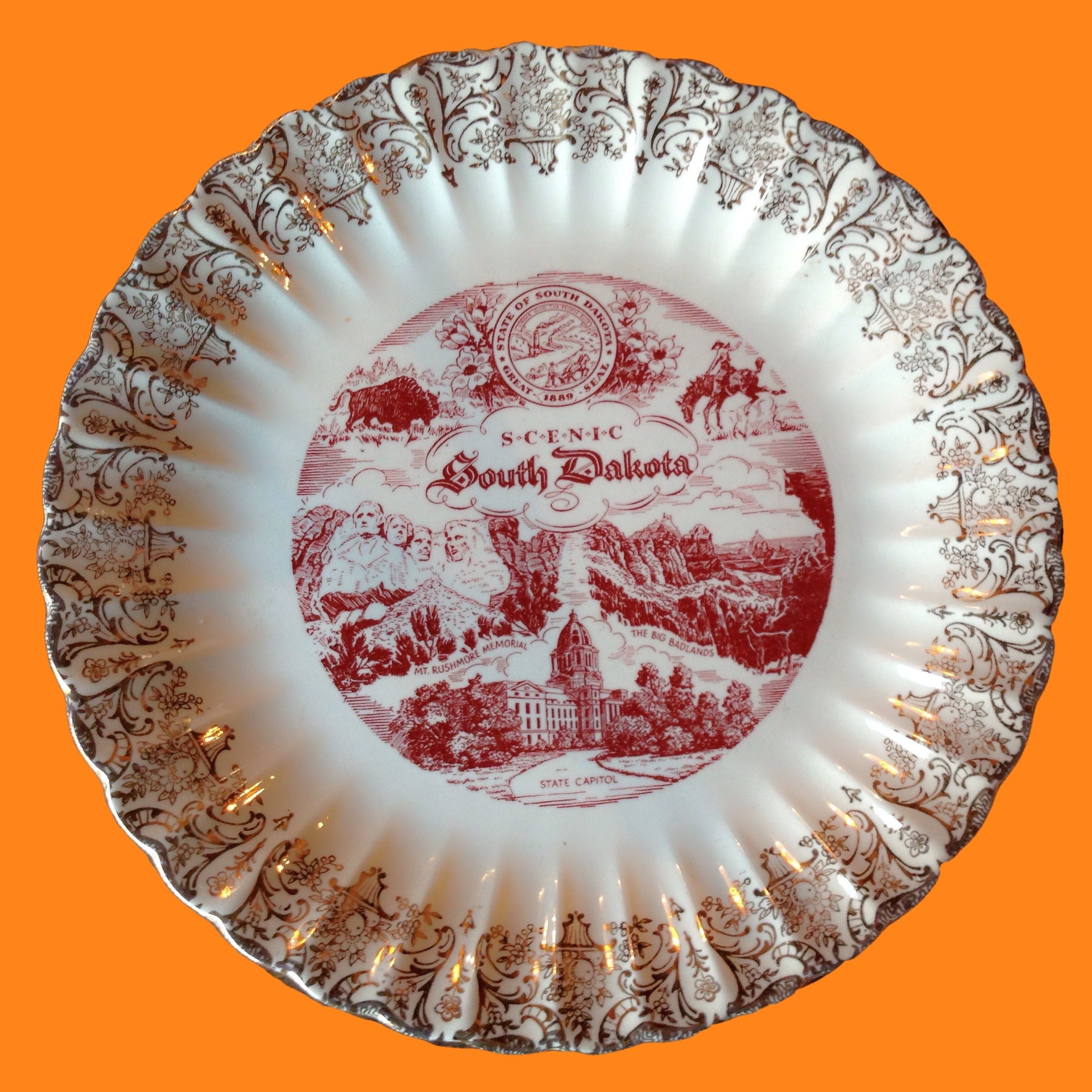 20% OFF - 20% OFF - South Dakota Souvenir Place Plate State Plate Decor or Tableware 00091