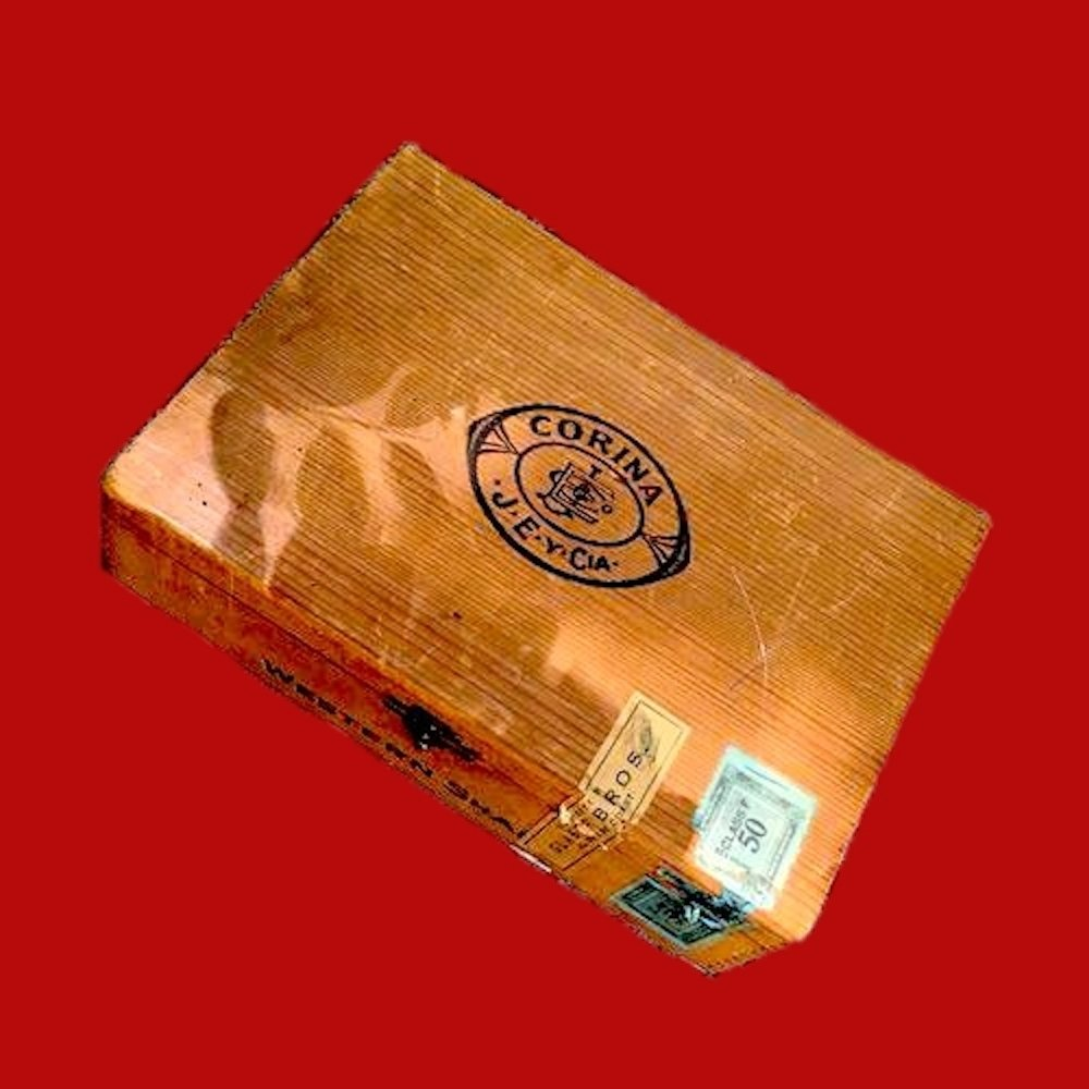 1954 Corina Redwood Cigar Box 00854