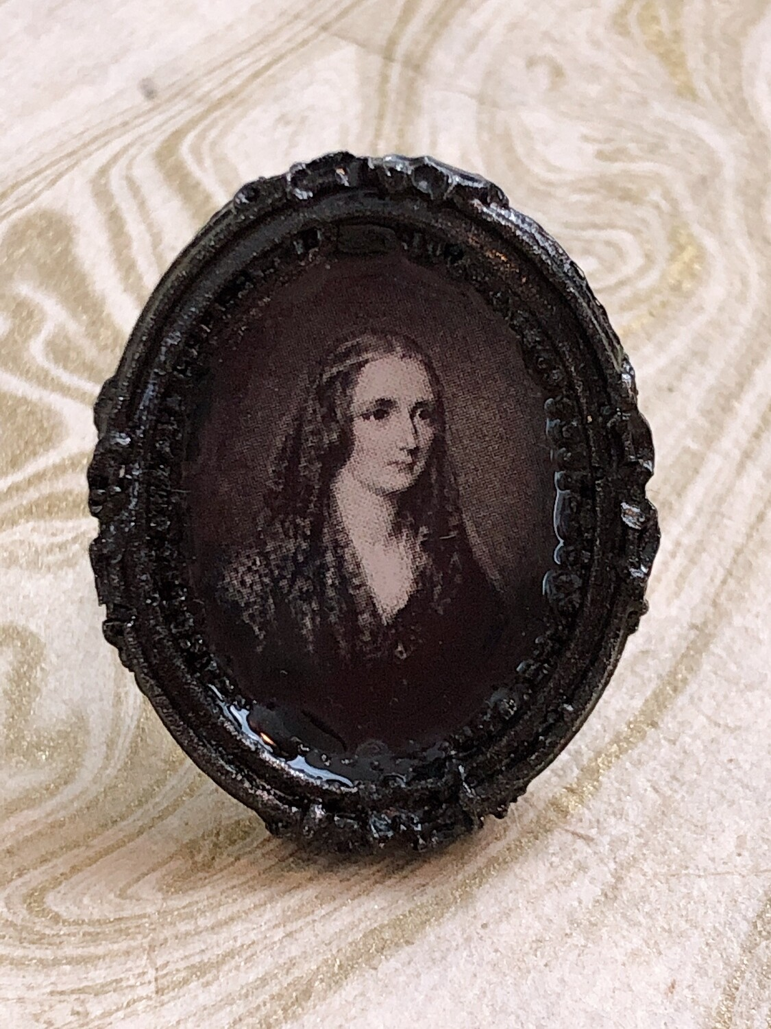 frame ring (mary shelley)