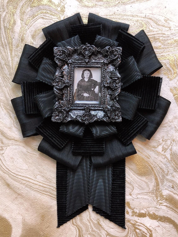 mourning rosette