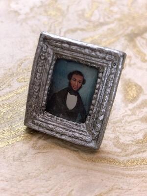 frame ring (gentleman caller in silver)