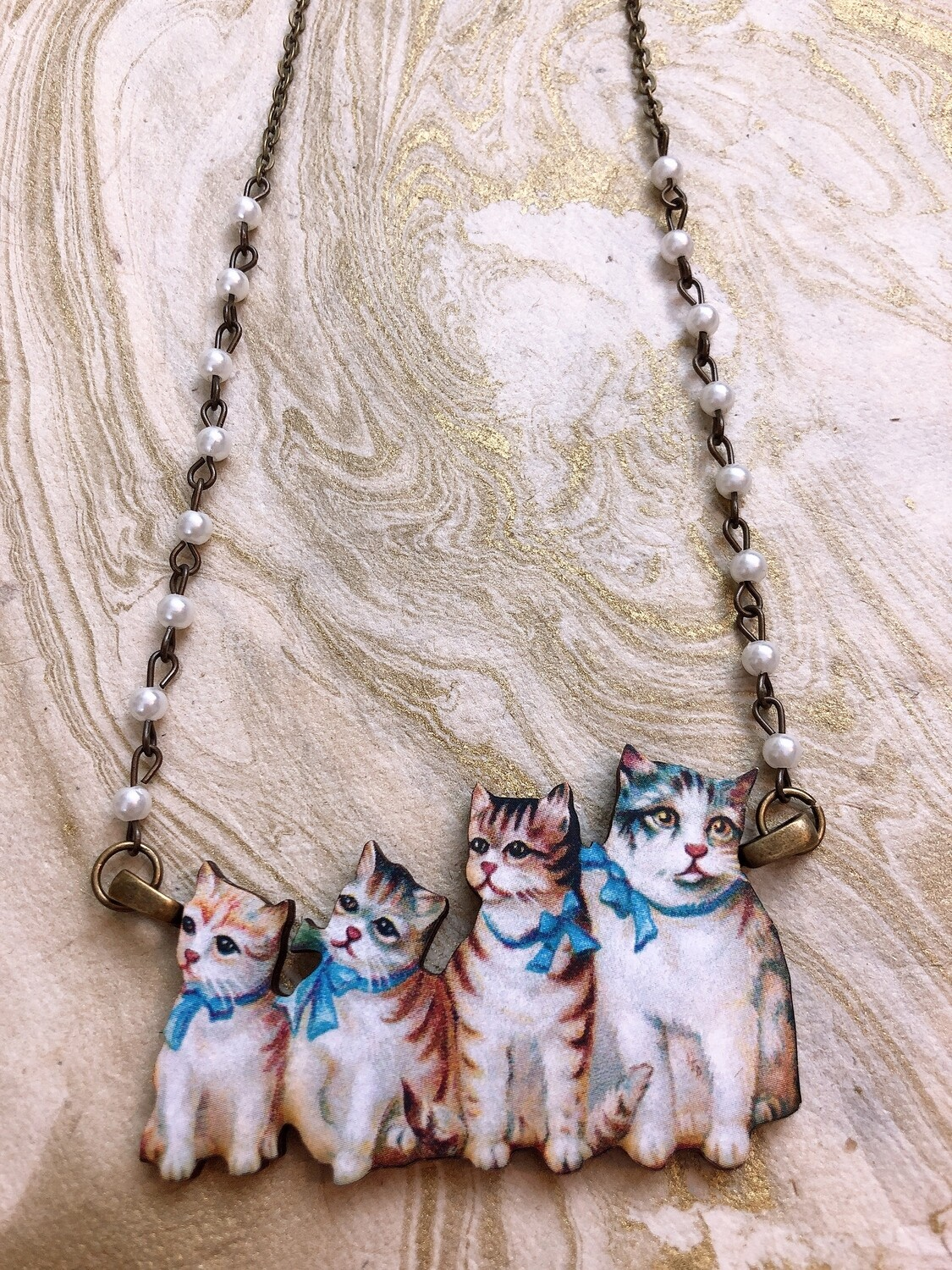 wood necklace (cats)