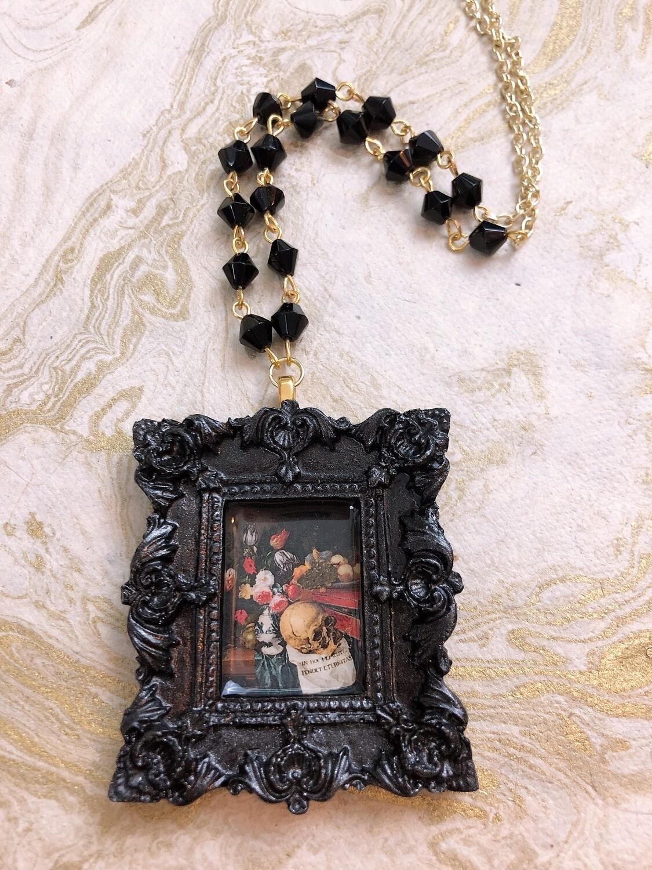 frame necklace (black vanitas)