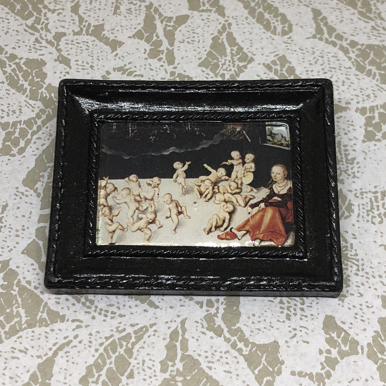 portrait frame brooch (melancholia)