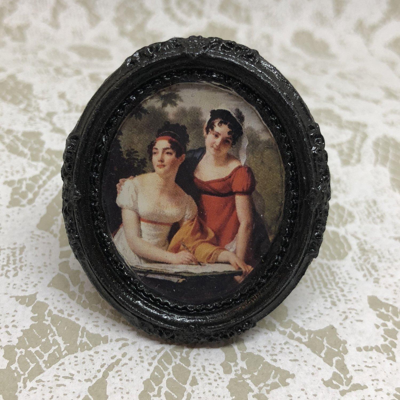 portrait frame brooch (regency ladies)