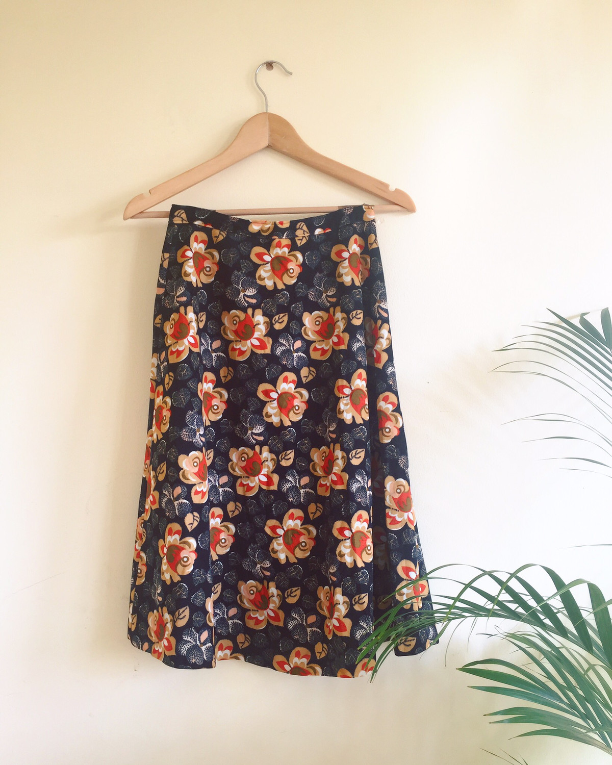 VINTAGE FLOWER POWER SKIRT