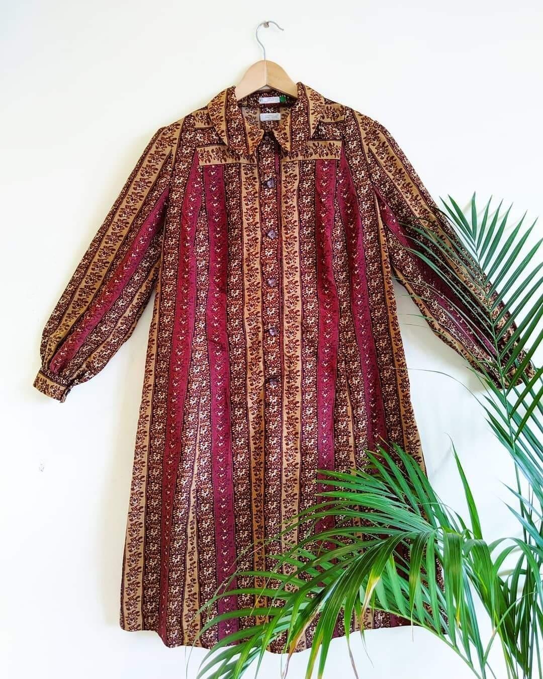 VINTAGE 1970S BROWN FLORAL DRESS