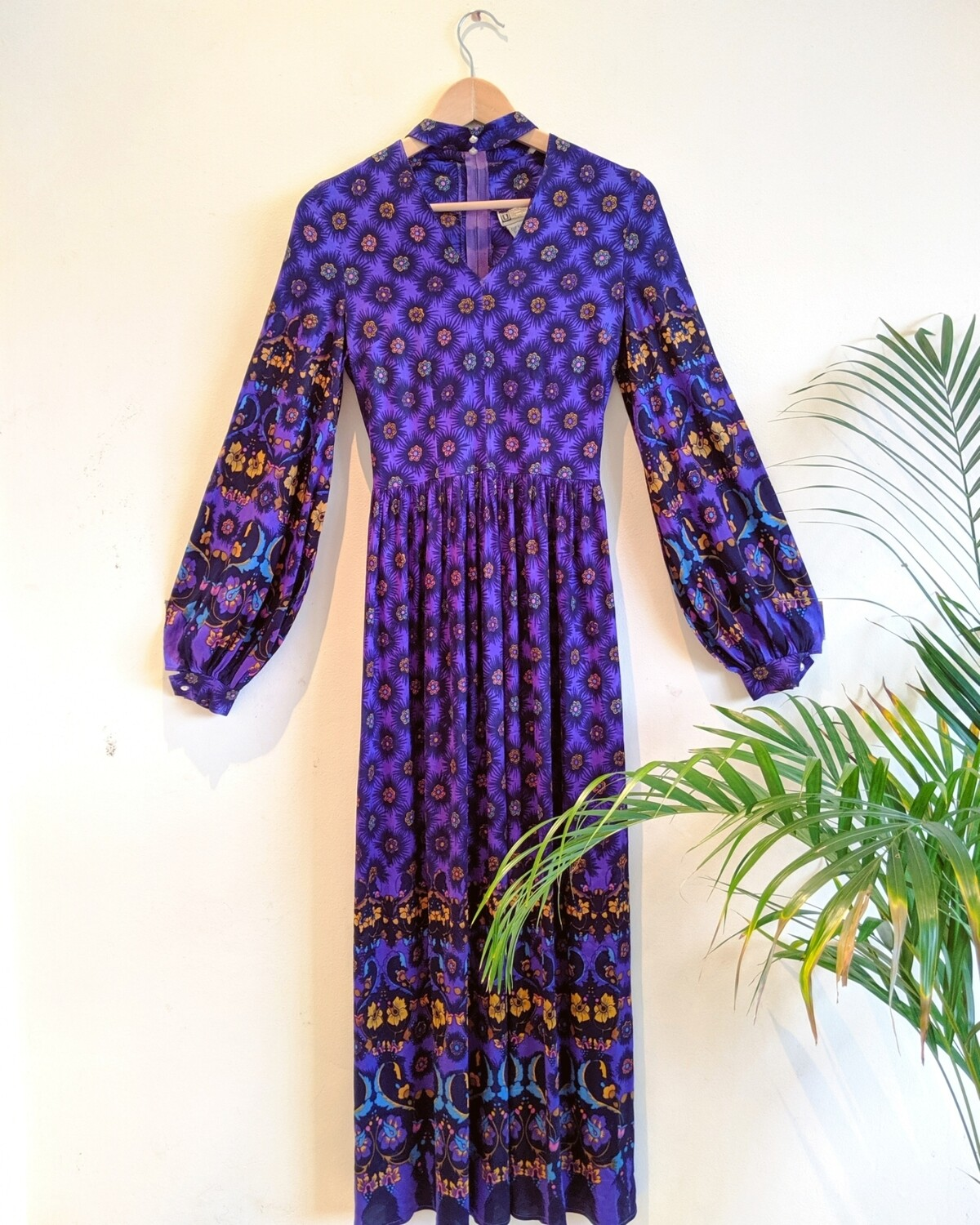 VINTAGE PSYCHEDELIC MAGIC MAXI DRESS