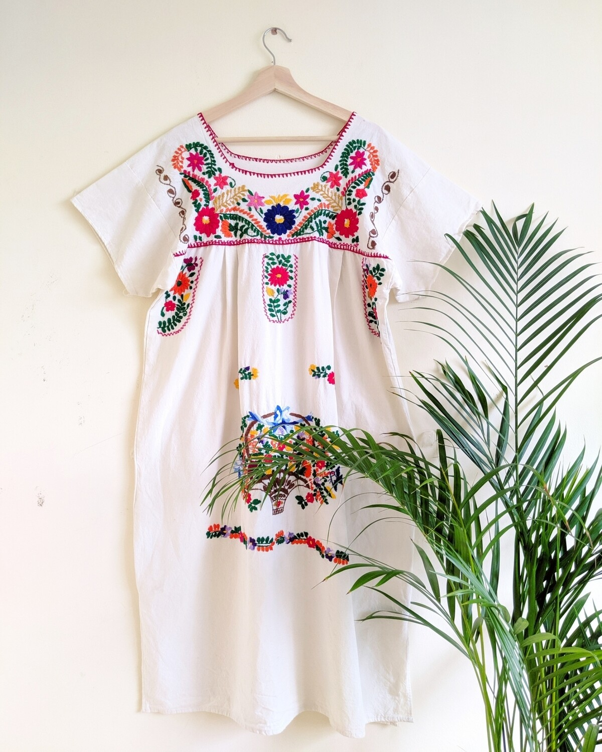 VINTAGE MEXICAN EMBROIDERED WHITE COTTON DRESS