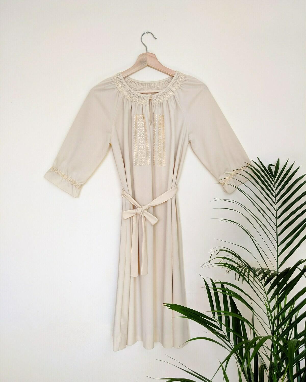 VINTAGE CREAM HUNGARIAN DRESS