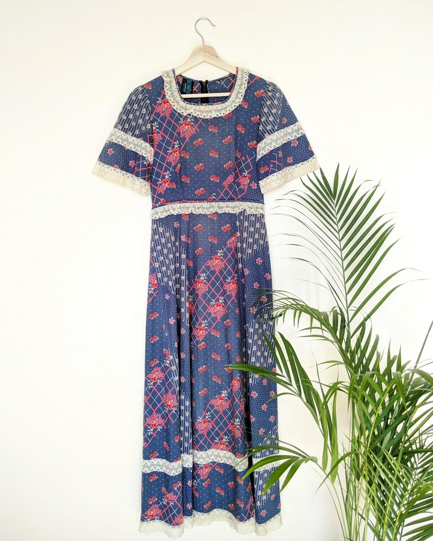 VINTAGE FLORAL FOLK MAXI DRESS