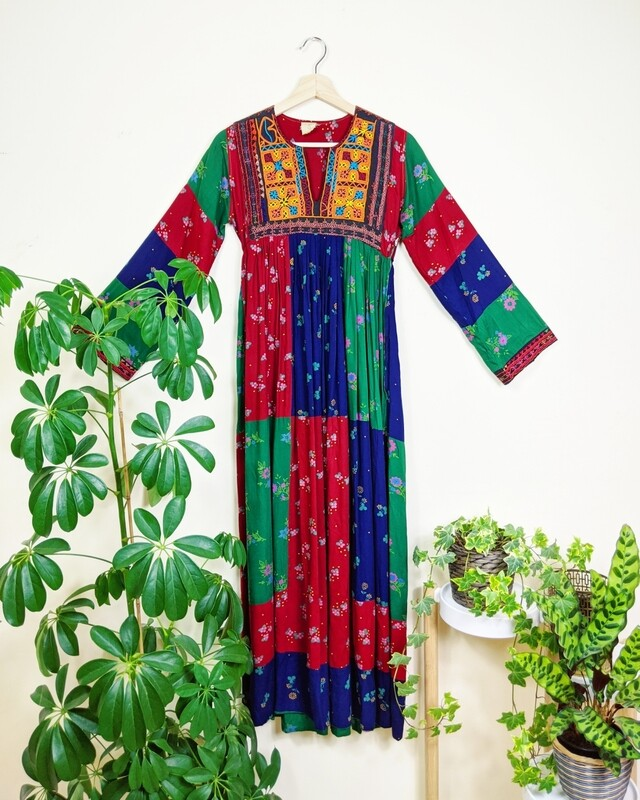 VINTAGE 1970S AFGHAN DRESS