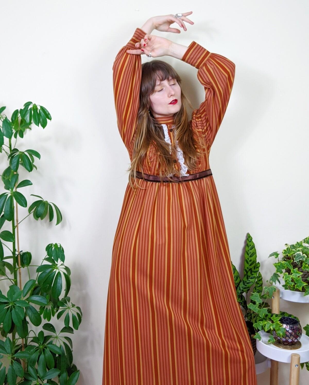 VINTAGE 1970S ORANGE BROWN STRIPE MAXI DRESS