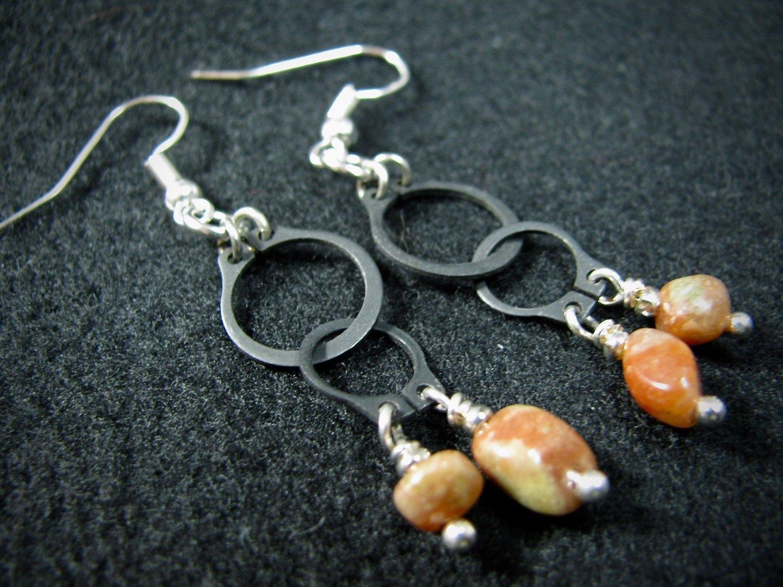 Dangling O Clamp Earrings