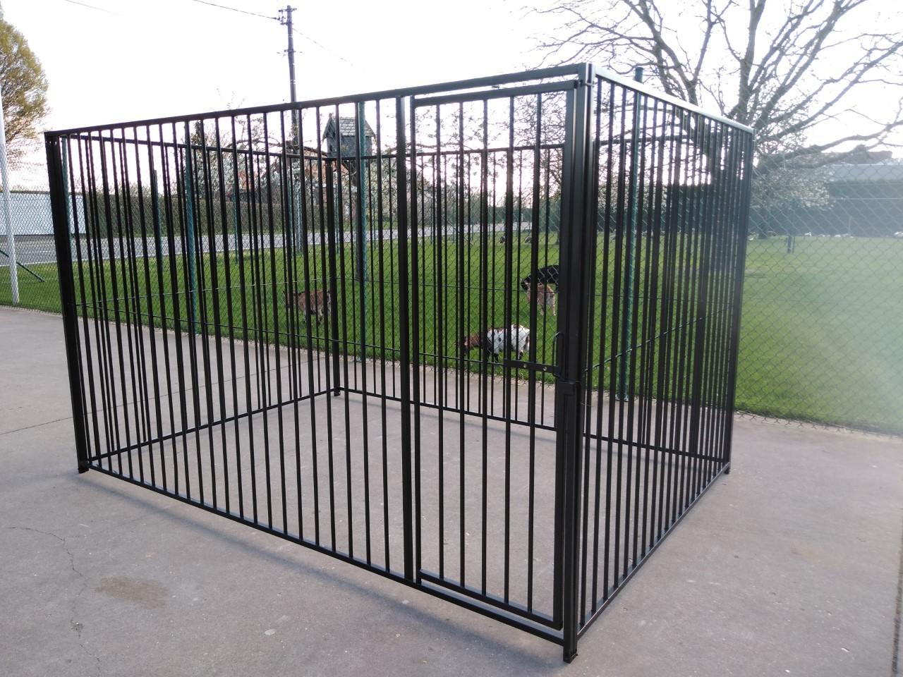 Hondenren 2 x 4 m met deur - 8 cm spijl ZWART 01166
