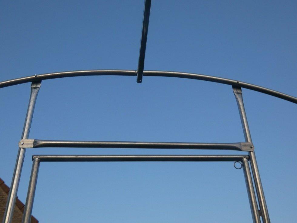 Kader / frame   10 x 4 x 2.54 m met deur