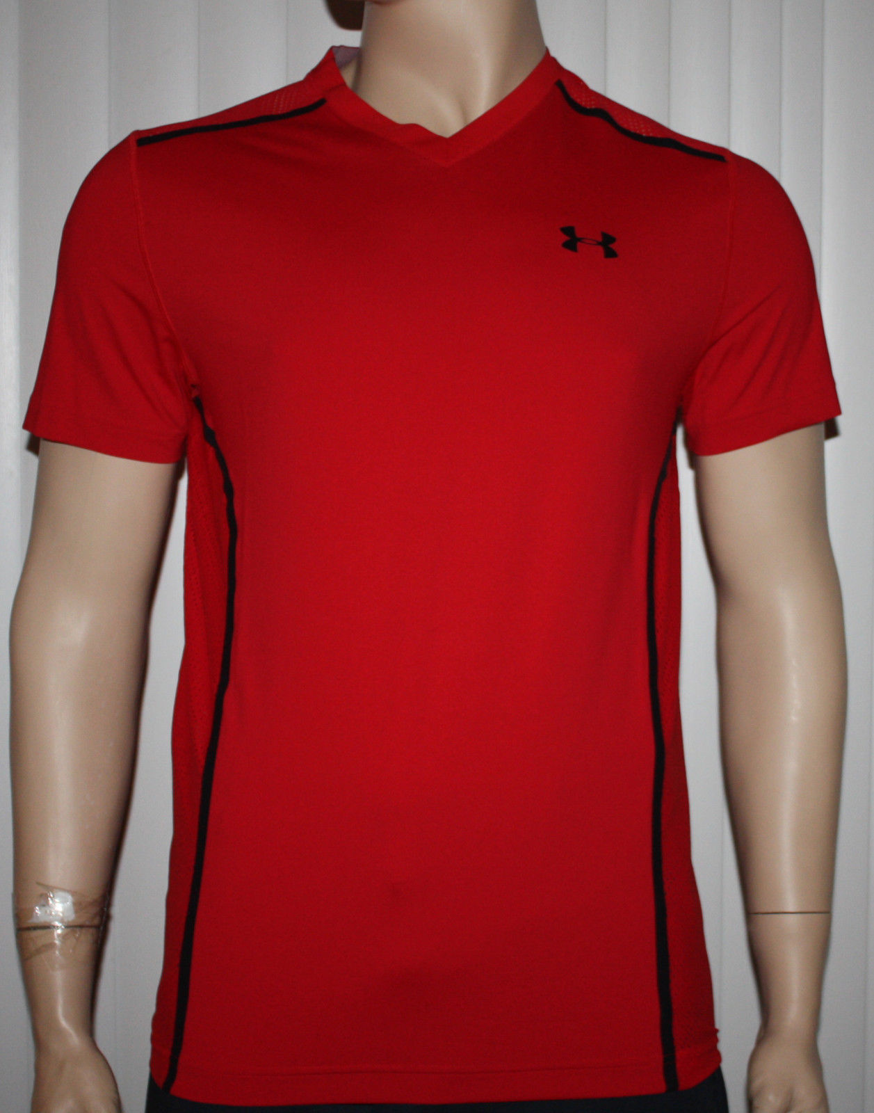 Under Armour VENT UA HeatGear Men's Red/Black Fitted Shirt (Large) 09976
