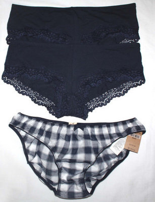 Lot 3 Hollister Women's Junior Navy Panties & Navy & White Plaid Panties Sz M
