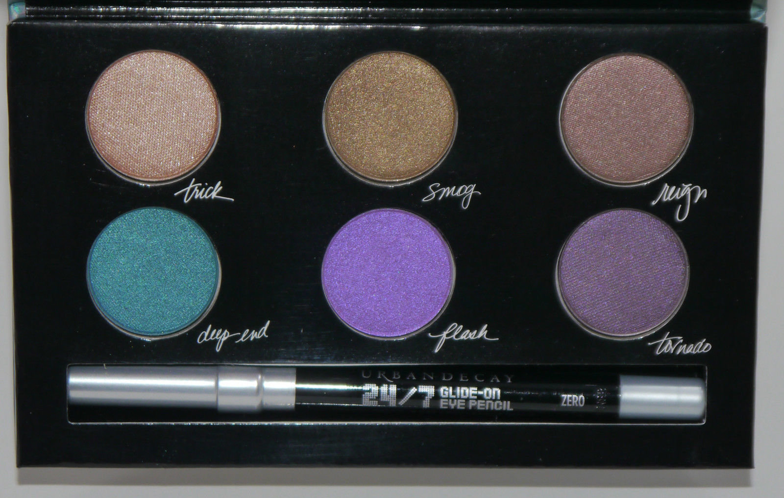 Urban Decay LIMITED EDITION Wende's Contraband Eye Shadow Palette 6 x 0.03 oz