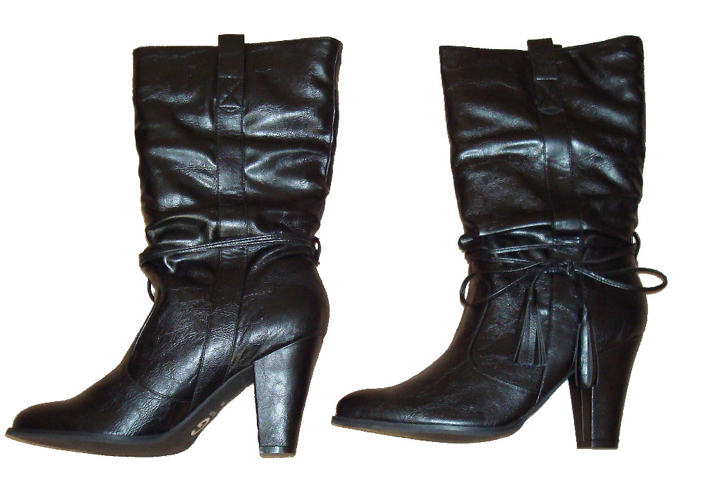 Mid Height Slouchy Black Boots