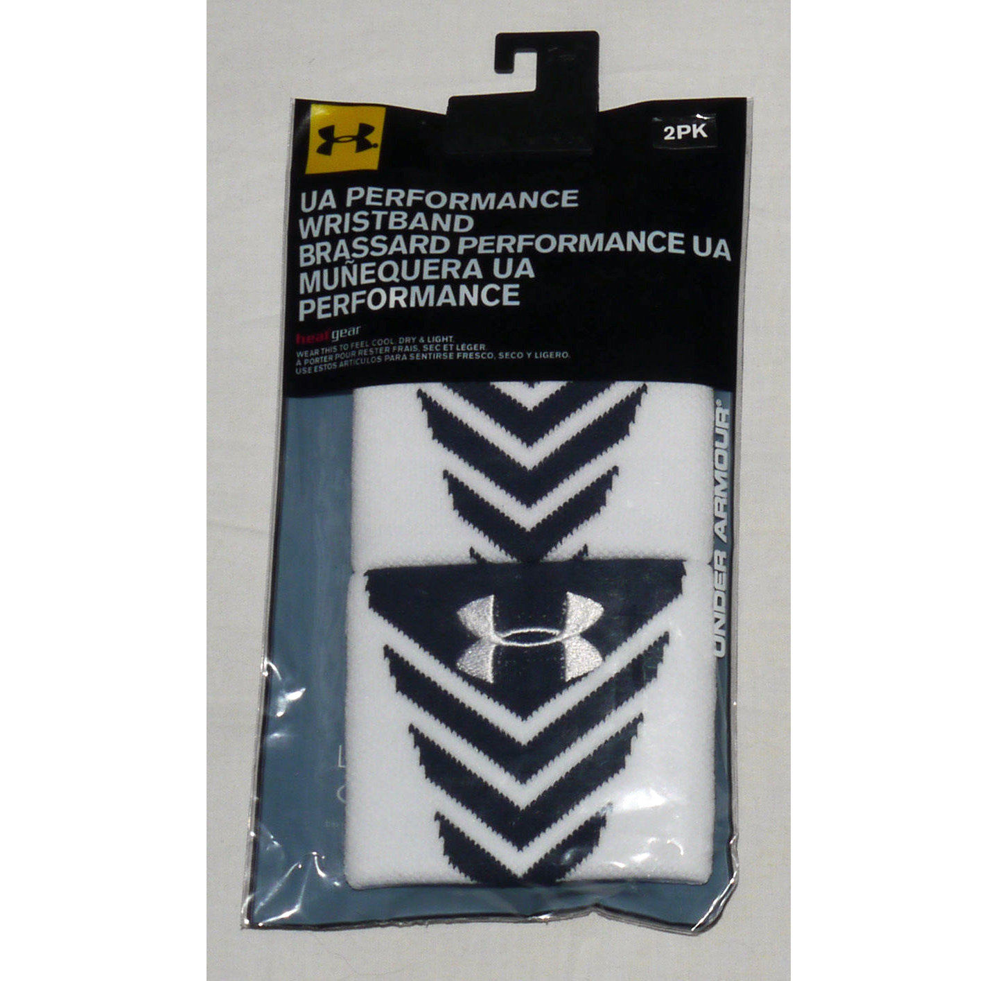 1 Pair Under Armour UA Performance Undeniable Wristbands -White & Midnight Navy 12818