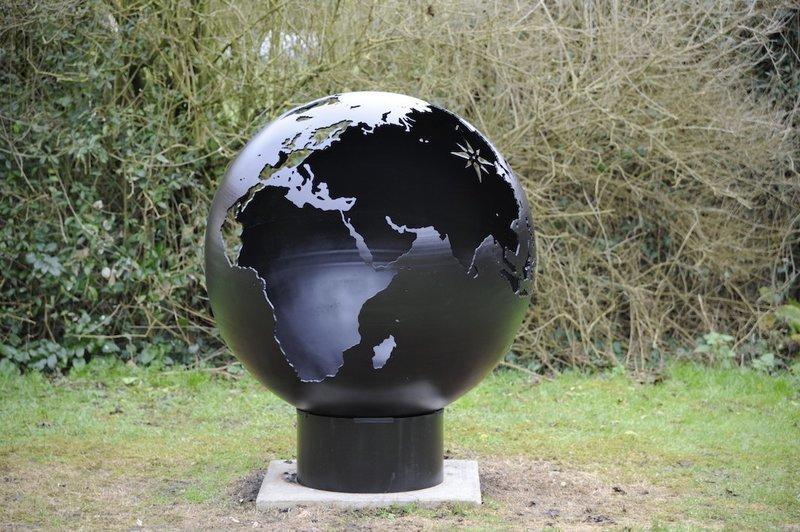650mm Globe Firepit