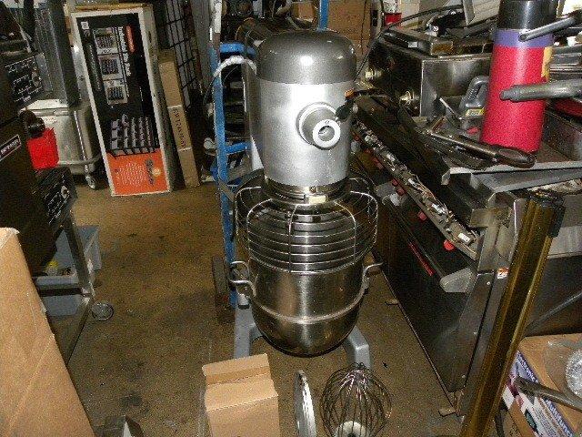 Hobart 40 Qt. Mixer, Safety Guard, SS bowl, 3 attachments, rebuilt