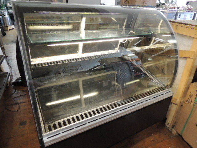 "Federal 48"" USA MADE refrigerated curved glass display case, excellent condition"