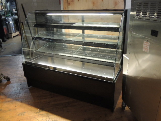 """Federal 62"""" dry curved glass displace case, high volume, lighted, black finish, MADE IN THE USA"""