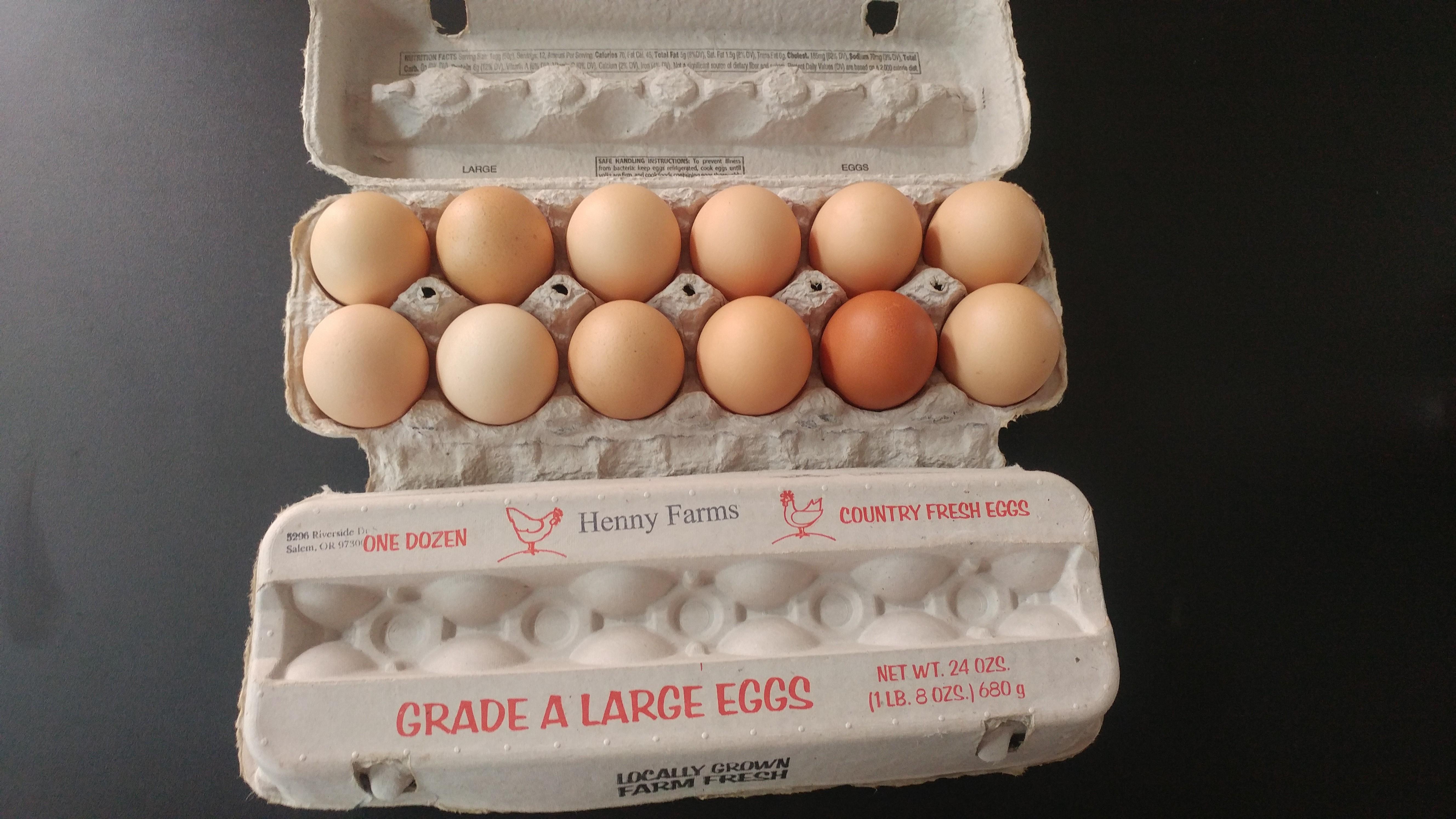 Henny Farm Fresh Eggs 00009