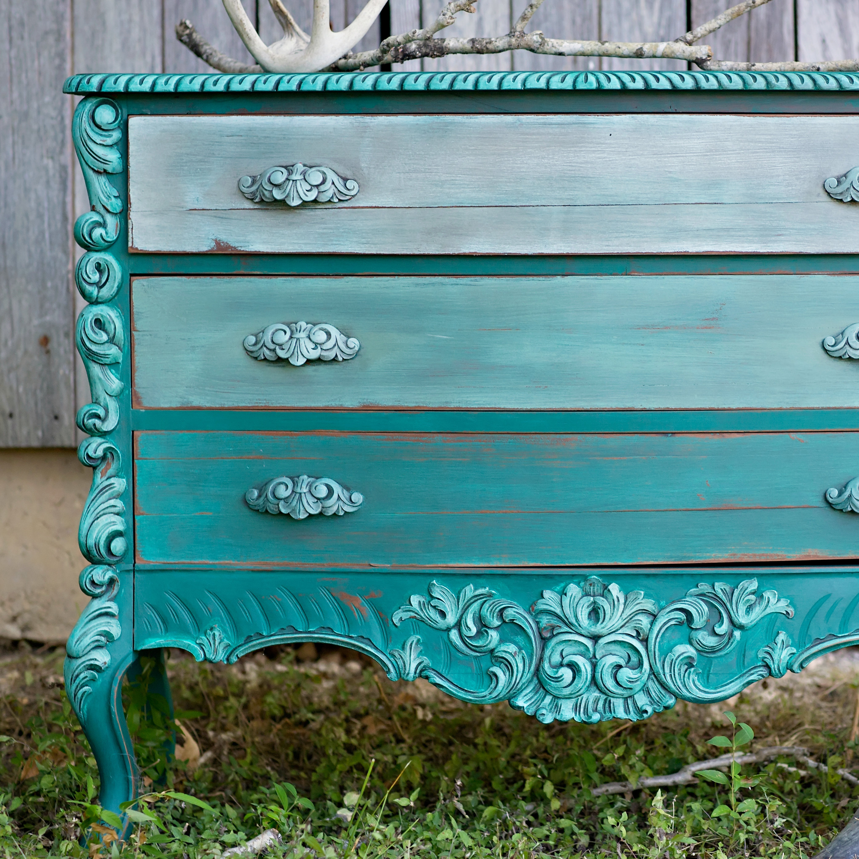 Farmhouse Color Wash Furniture Tutorial 00136