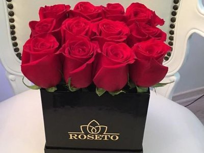 Small Square Box Rosas