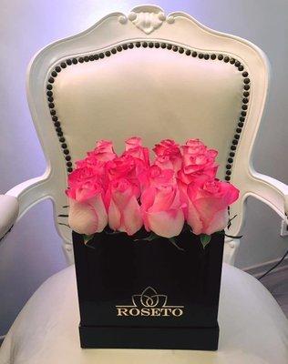 Square box rosas.