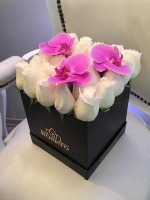 Box Square rosas  + orquídea