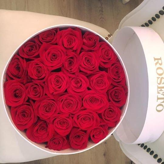 Round box rosas