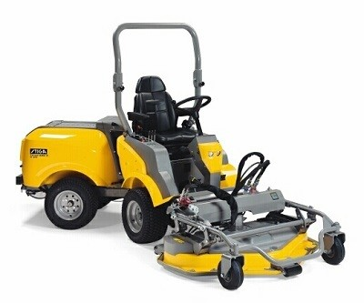 Stiga Titan 540D Professional 4WD Mulching Out Front Cutting