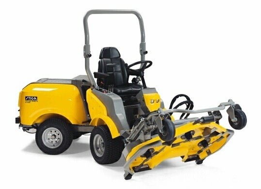 Stiga Titan 740D Professional 4WD Mulching Out Front Cutting