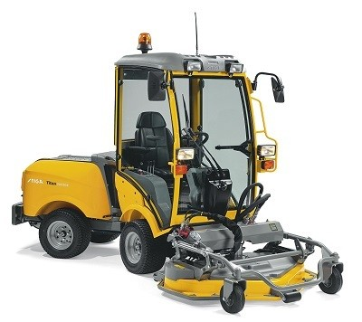 Stiga Titan 740DCR Professional 4WD diesel Out Front Cutting