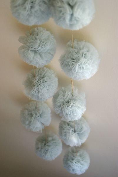 """Ghirlanda di tulle""""bleue gustavien"""" , decorazione per cerimonie e per la casa"""