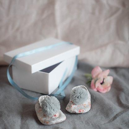 Scarpette per bebè  . Per una nascita, un evento, un piccolo regalo.