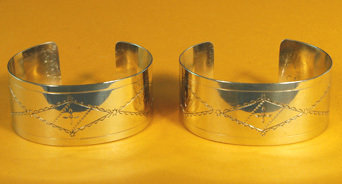 """Bracelets 1"""" Wide, Stamped, Regular Edges BRC-10-2"""