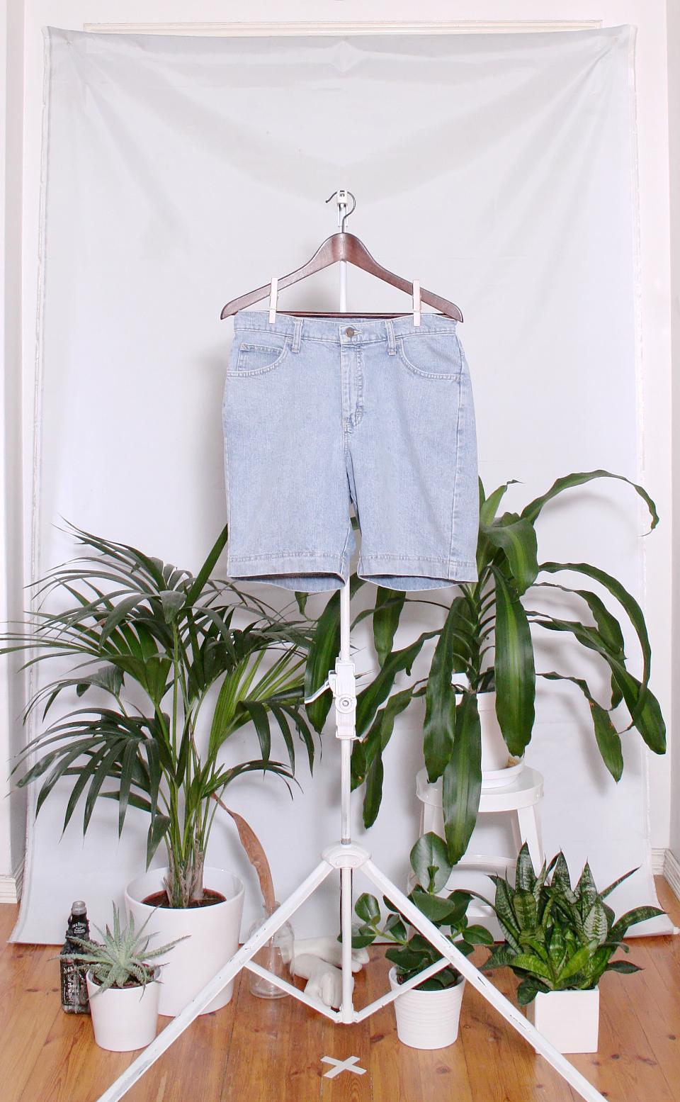 Vintage Lee Denim Shorts (naisten L / miesten S)