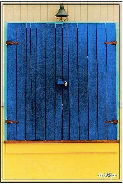 BLUE SHUTTER WITH BELL * 8'' x 11'' 10277
