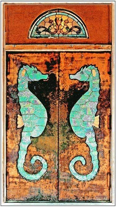 SEA HORSE DOORS * 4'' x 11'' 10288