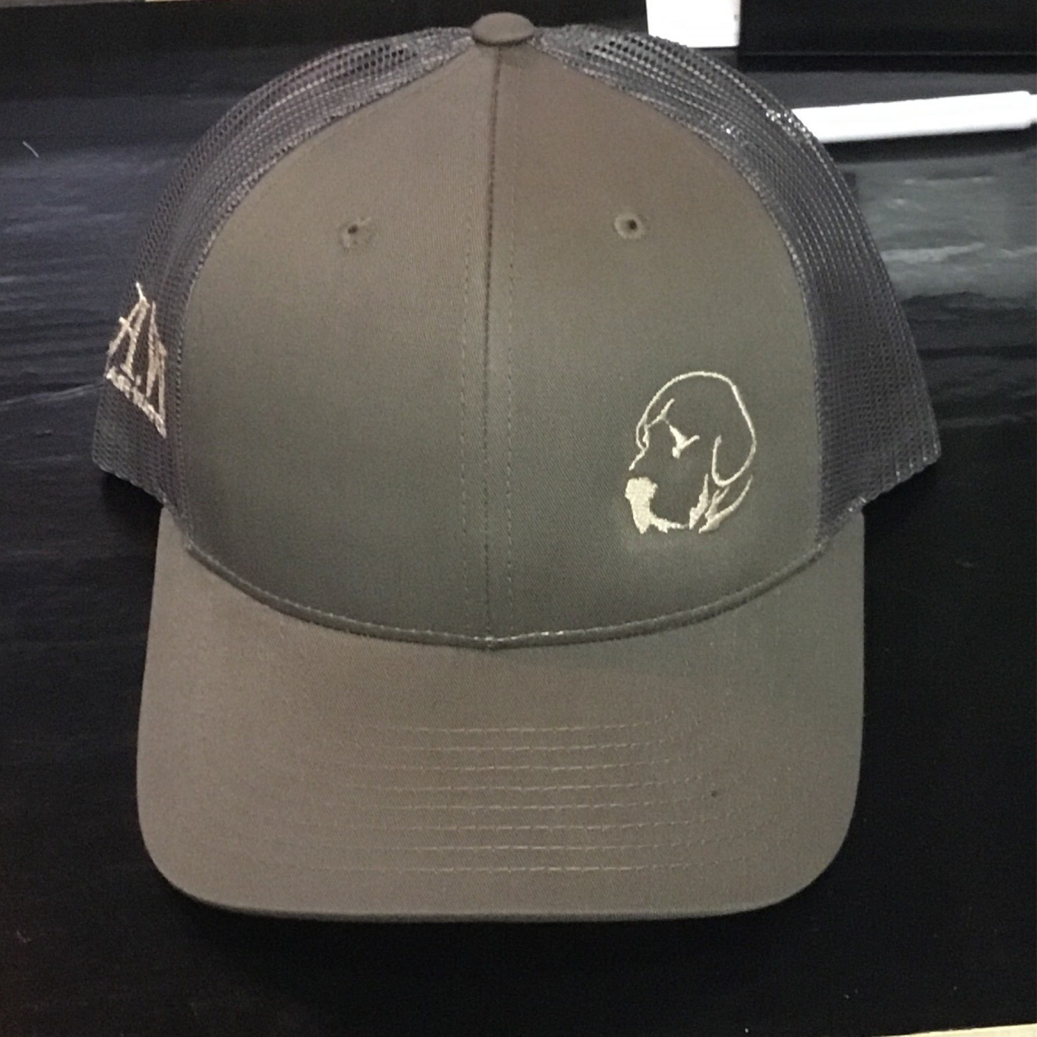 Small Lab Olive/grey (Trucker)